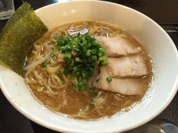 おかべ2_麺.JPG